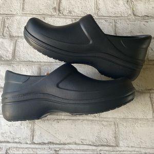 NWT Crocs Felicity Clogs Size 8